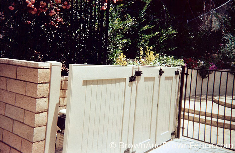 vinyl gate 02