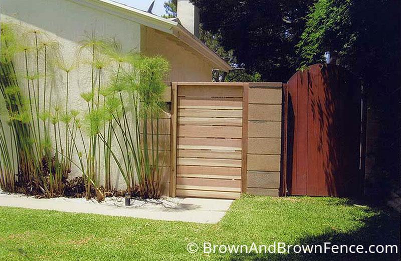 wood gate 03