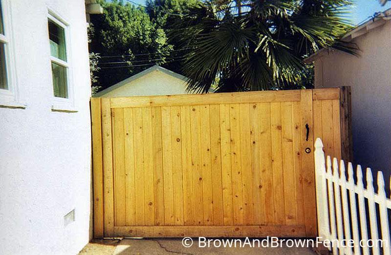 wood gate 04